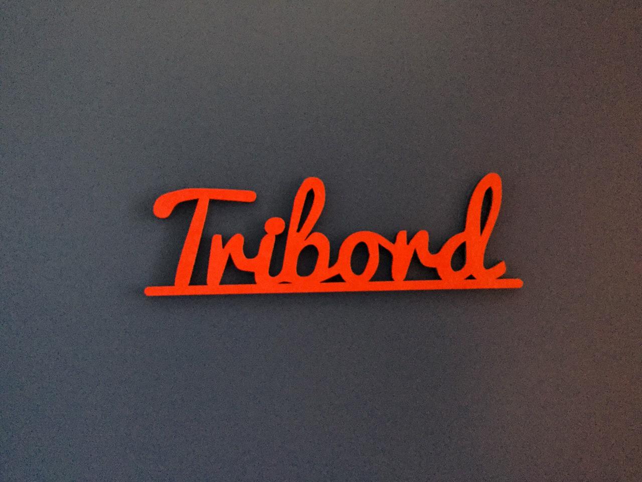 Tribord_Enseigne